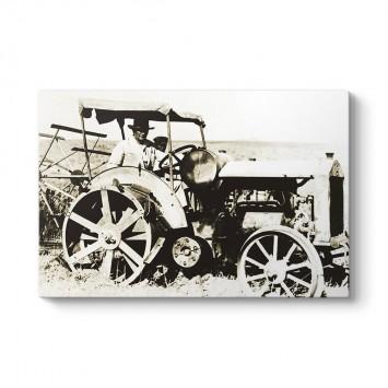 Atatürk Traktör Kullanırken Kanvas Tablo