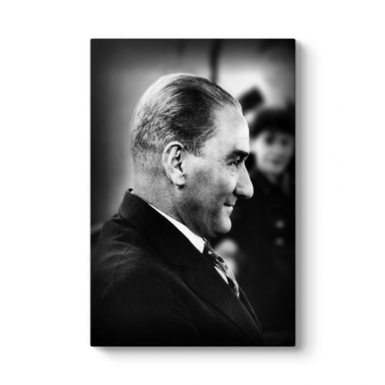 Gülümseyen Atatürk Tablosu