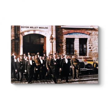 Atatürk ve TBMM Tablosu
