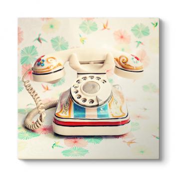Renkli Retro Telefon Tablosu