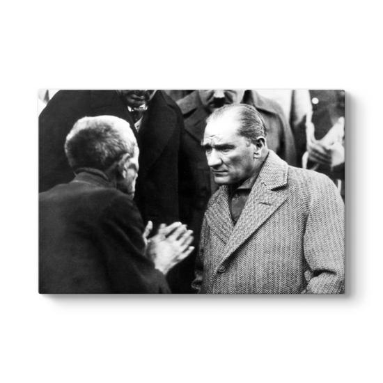 Atatürk Vatandaşı Dinlerken Kanvas Tablo