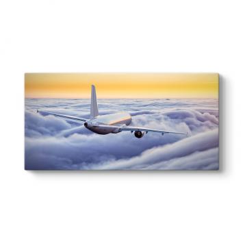 Bulutlar Üstünde Uçak Tablosu