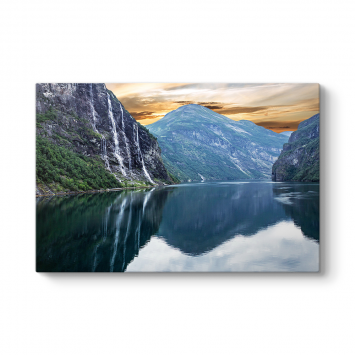 Norveç Geiranger Şelalesi Tablosu