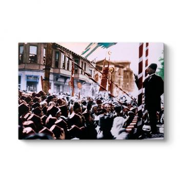 Atatürk'ün Halka Seslenişi Tablosu