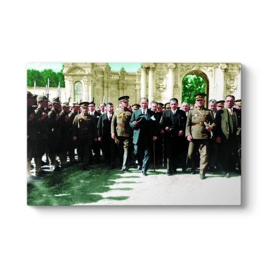 Atatürk Renkli Tablosu