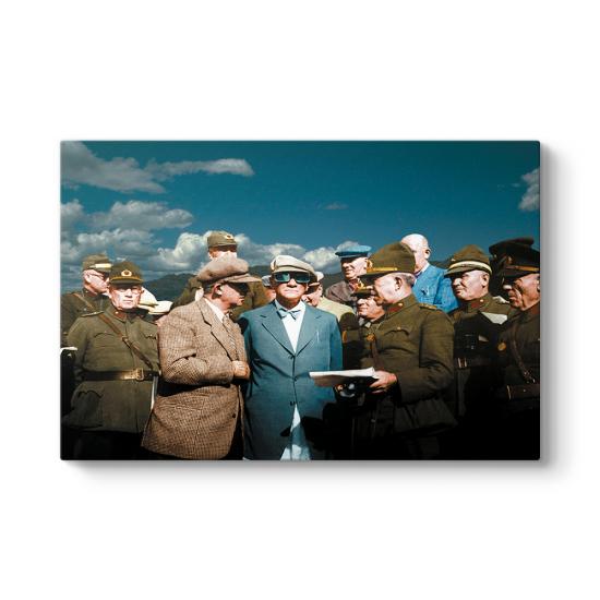 Atatürk'ün Gözlüklü Tablosu