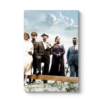 Atatürk'ün Şapkalı Tablosu