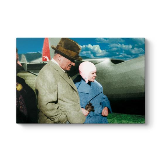 Atatürk ve Sabiha Gökçen Tablosu